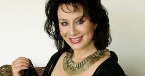 Verónica Villarroel recibe Premio a la Música Nacional