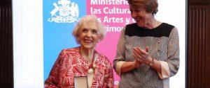 Carmen Barros es Reconocida por su Aporte a la Cultura y las Artes